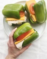 Tak Pakai Roti, Sandwich Ini Berlapis Paprika yang Pedas
