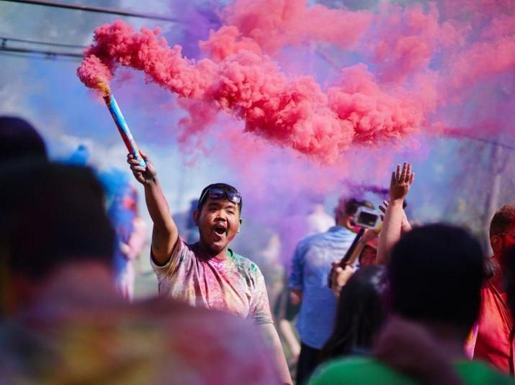 Meriahnya Perayaan Holi di Jaipur, India