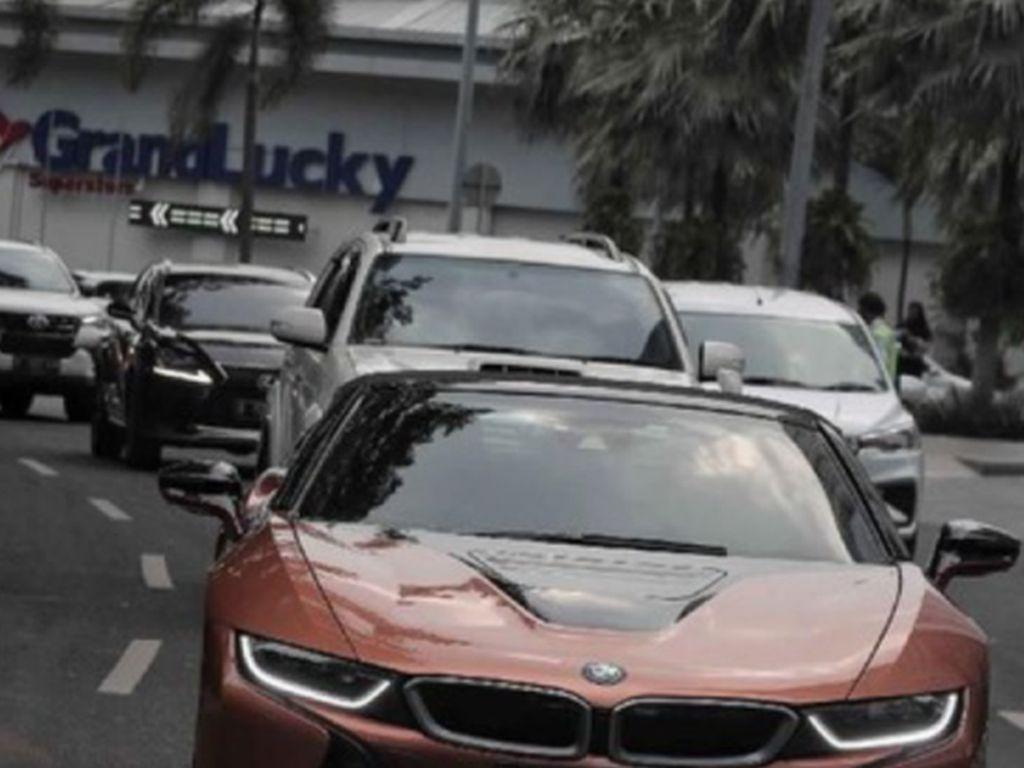 BMW i8 Roadster, Sportcar Cantik Masa Depan