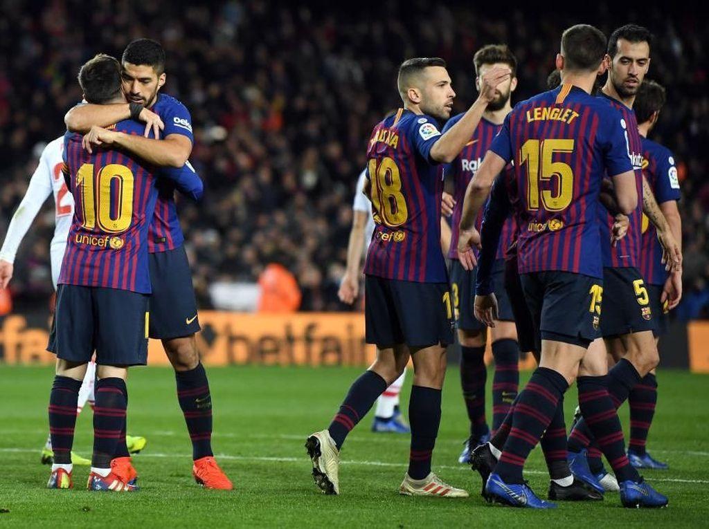Suarez-Messi Main Lagi, Barcelona Menang