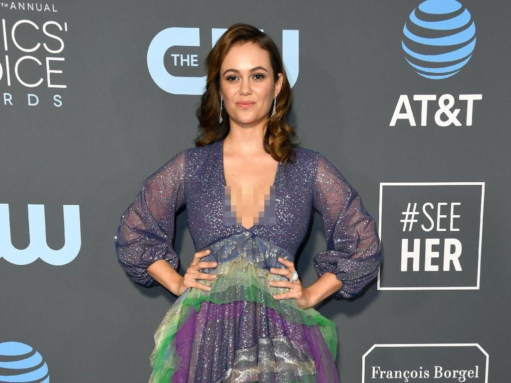 Foto: 7 Selebriti Berbusana Terburuk di Critics Choice Awards 2019