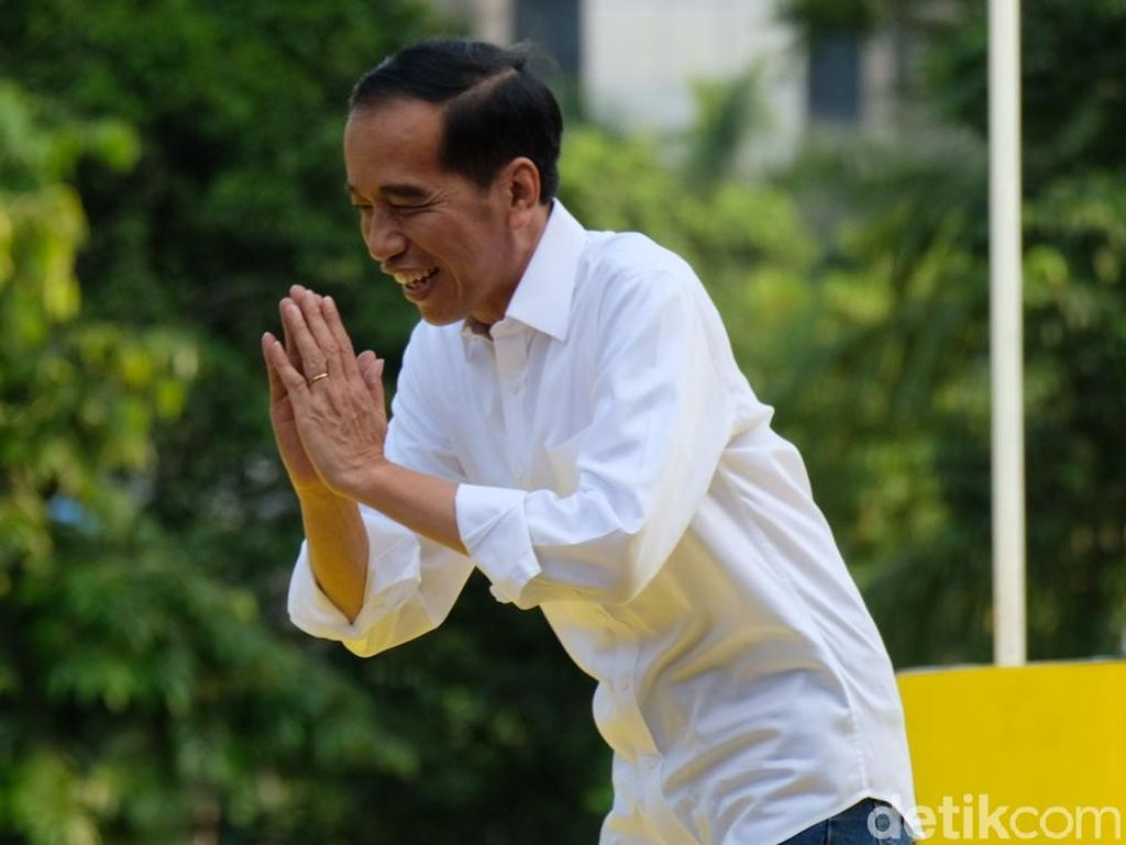 5 Daftar Kebijakan Plin-plan Jokowi yang Batal Secepat Kilat