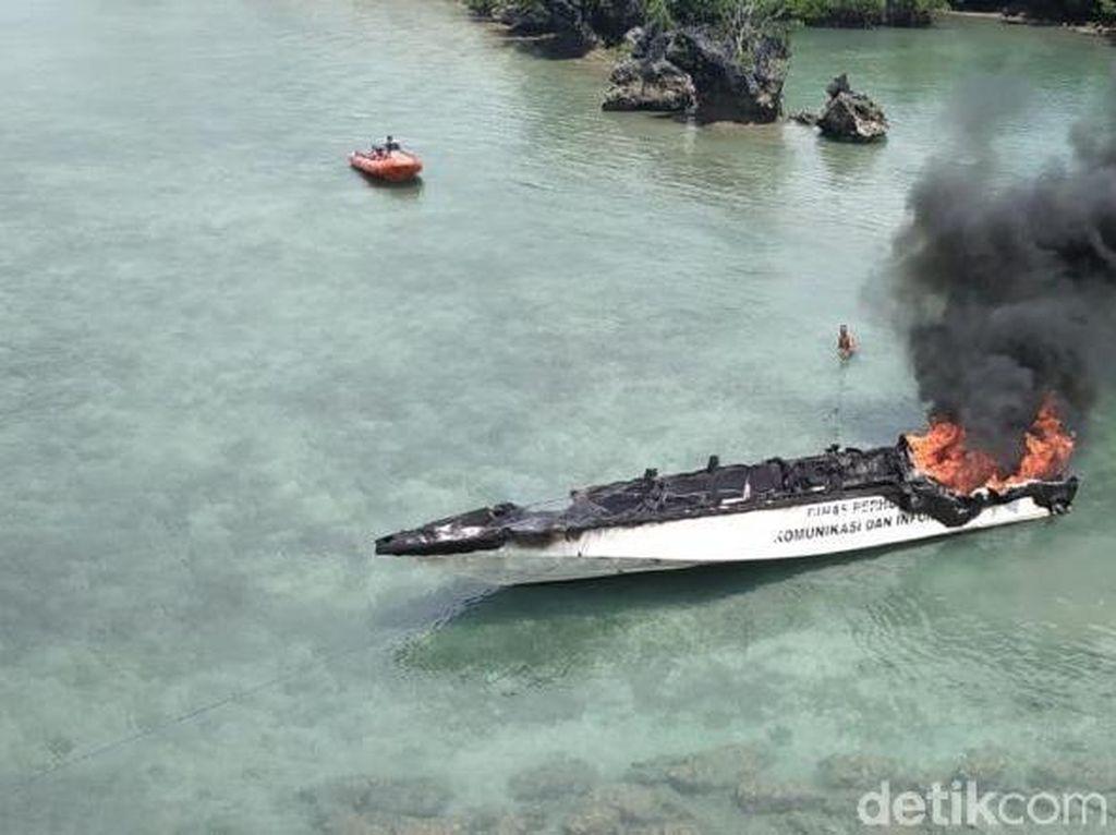 Speed Boat Pemkot Tual Maluku Terbakar di Tengah Laut