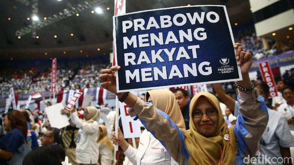 Semangat Warga Ikuti Pidato Kebangsaan Prabowo