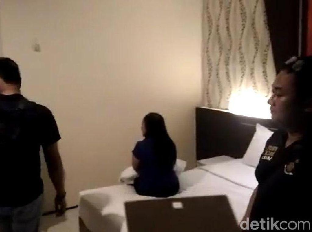 Prostitusi Online di Madiun Dibongkar, Tiga Wanita Diamankan