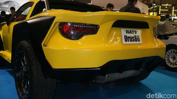 Toyota 86 berubah jadi Lamborghini Urus