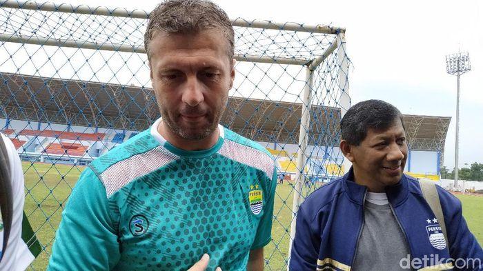 Miljan Radovic masih diberi kesempatan melatih Persib Bandung setelah gagal di Piala Presiden (Mukhlis Dinillah/detikSport)