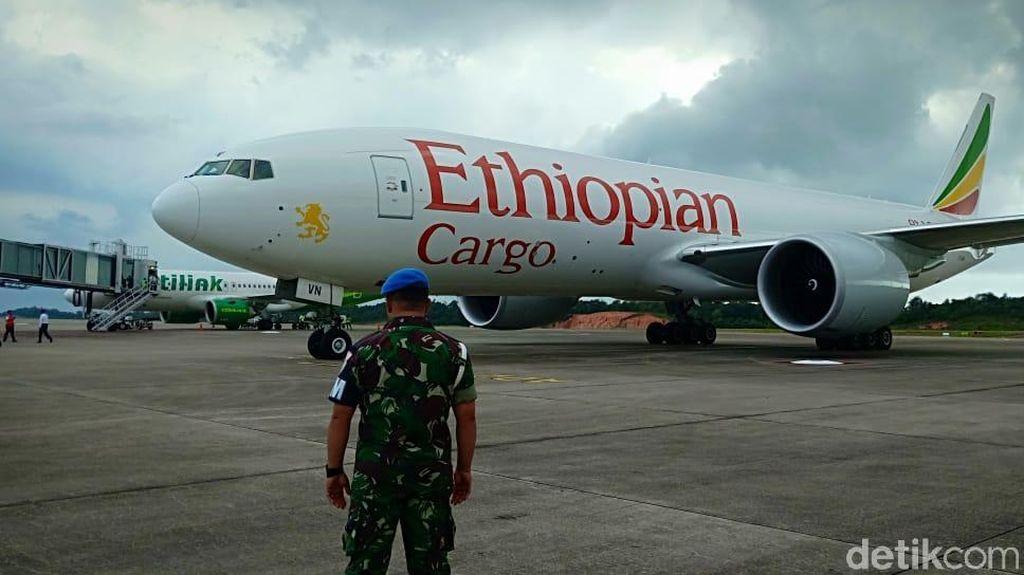 Penampakan Pesawat Ethiopia yang Dipaksa Turun TNI AU di Batam