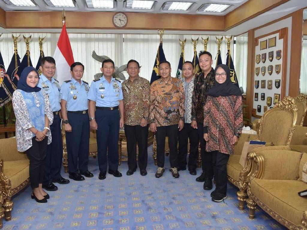 TNI AU Dukung CT ARSA Foundation Bantu Korban Bencana