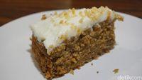 Titik Temu: Enaknya Ngopi Sambil Nyemil Carrot Cake di Kafe Bergaya Rustic Ini