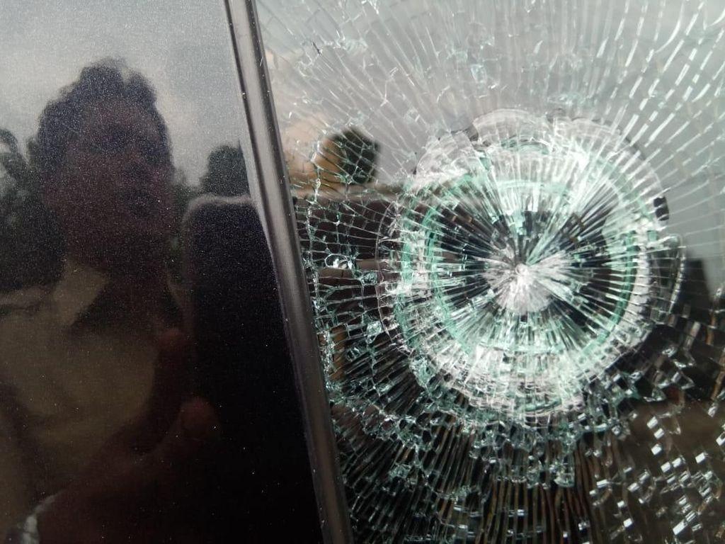 Penembak Mobil Hj Rukayah Diduga 2 Orang Pria Berboncengan Motor