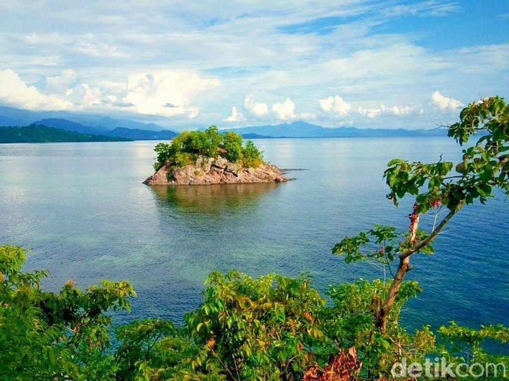Karamasang, Pulau Cantik Tapi Tersembunyi di Sulawesi Barat
