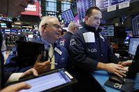 Wall Street Grogi Nantikan Hasil Perundingan Dagang AS-China