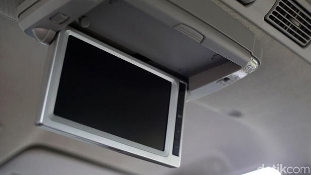 Monitor yang mirip dengan mobil lebih mahal seperti Innova