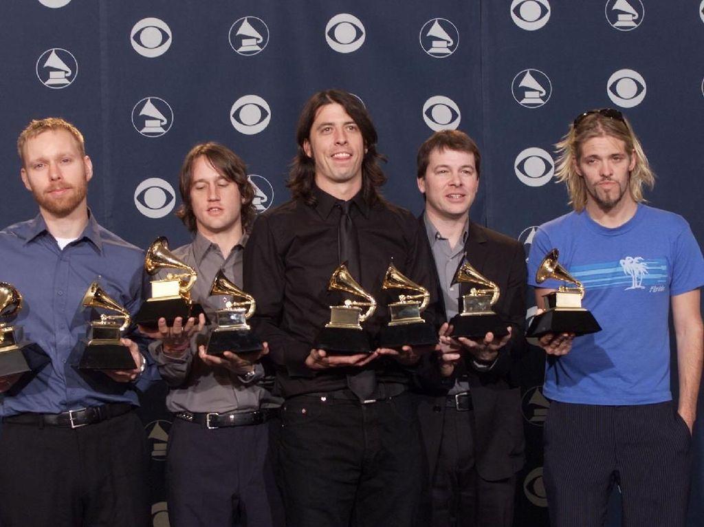 Dave Grohl Sebut No Son of Mine Penghormatan untuk Lemmy