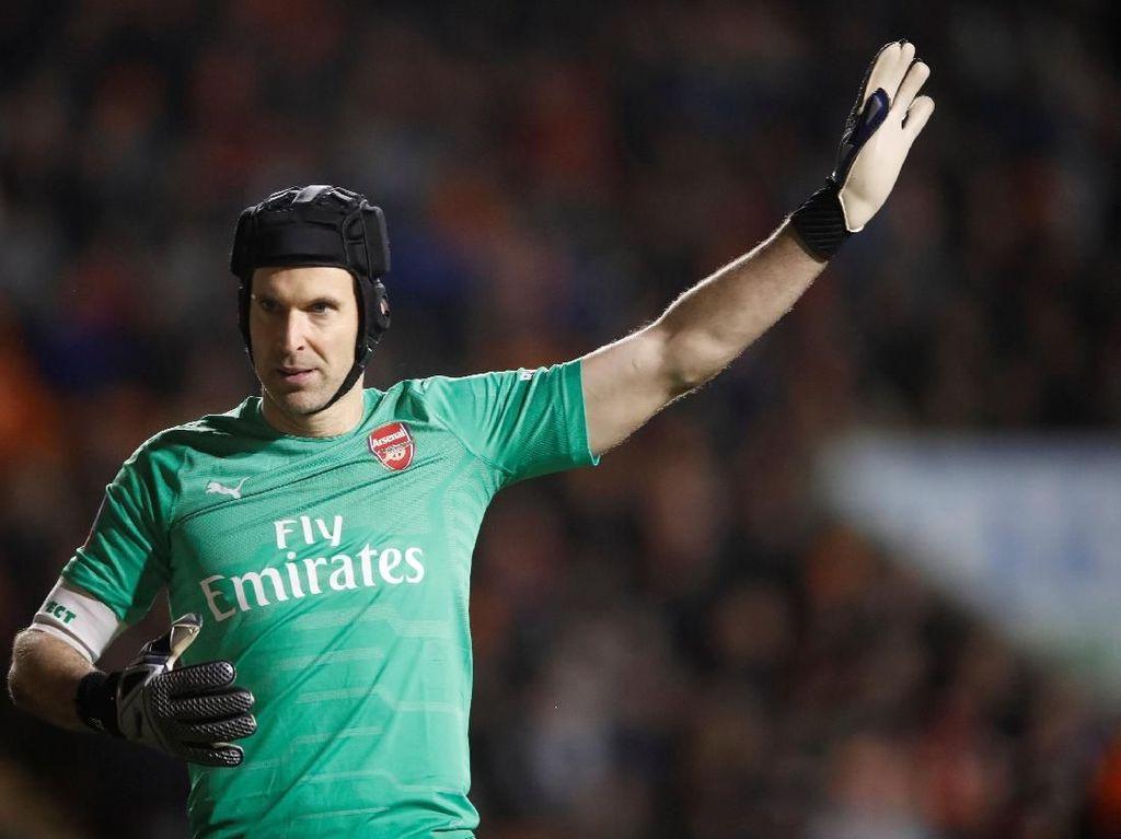Petr Cech Gantung Sepatu Akhir Musim Ini