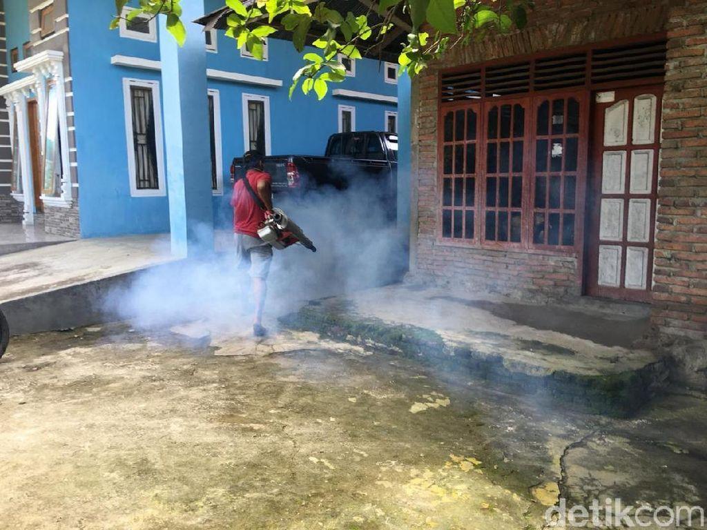 Antisipasi Penyebaran DBD, Ratusan Rumah Warga Sulbar Diasapi