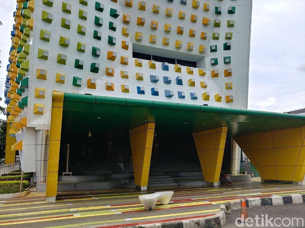 Aroma Pungli dan Pemberhentian Pekerja di Gedung Kreatif Bandung