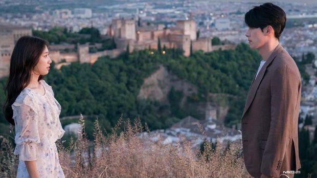 serial drama memories of the alhambra. (dok. CJ E&M/Netflix)