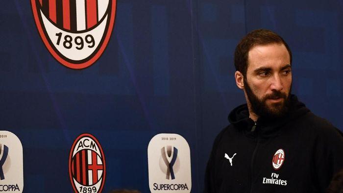 Gonzalo Higuain jadi pemain cadangan saat AC Milan bertemu Juventus di Piala Super Italia (Claudio Villa/Getty Images for Lega Serie A)