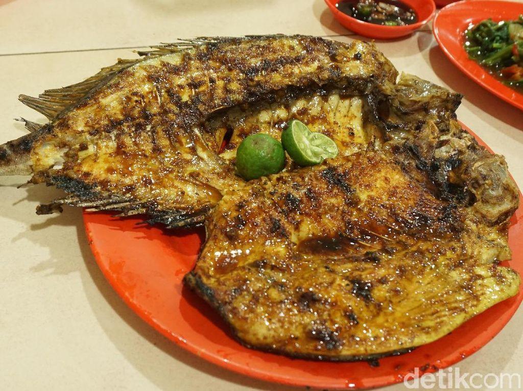 Seafood 212 Wiro Sableng : Mantapnya Baronang Bakar di Warung Favorit Keluarga Jokowi
