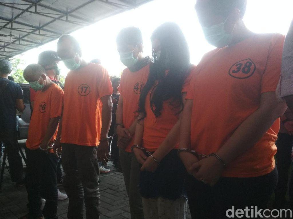 Penampakan Aris Idol Usai Ditangkap karena Narkoba