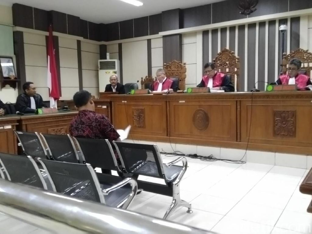 Sidang Kasus Suap, Bupati Purbalingga Tasdi Dituntut 8 Tahun Bui