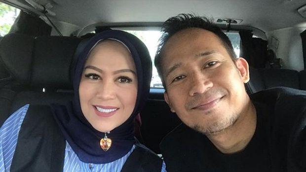 Denny Cagur dan sang istri