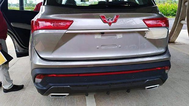 Bagian belakang mirip dengan SUV Wuling yang dipamerkan di GIIAS