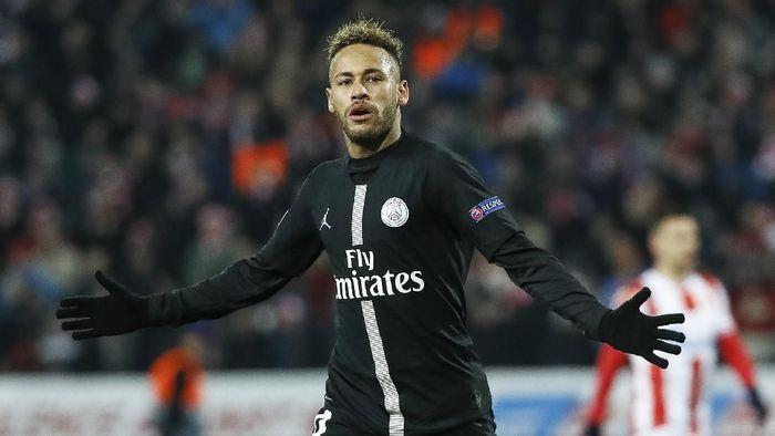 Neymar disebut sedang menegosiasikan kontrak baru dengan Paris Saint-Germain (Foto: Srdjan Stevanovic/Getty Images)