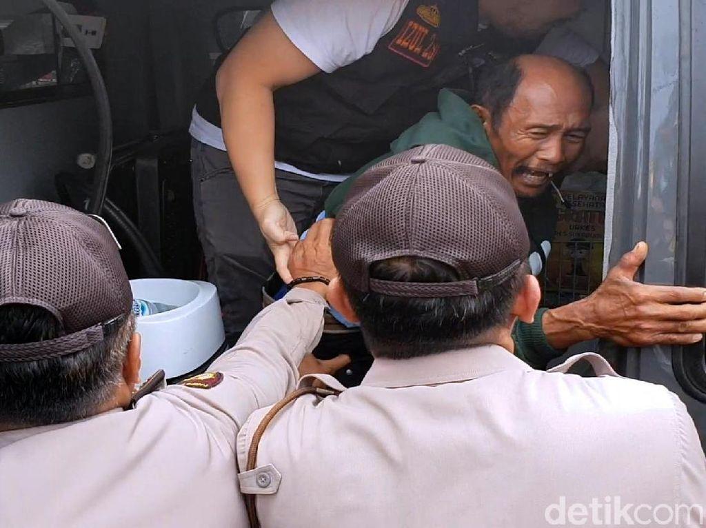 Pria Mengaku Tuhan Ngamuk dan Pingsan di Markas Polisi