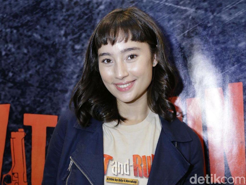 Tatjana Saphira Jadi Penyanyi Centil dan Genit  di Hit n Run