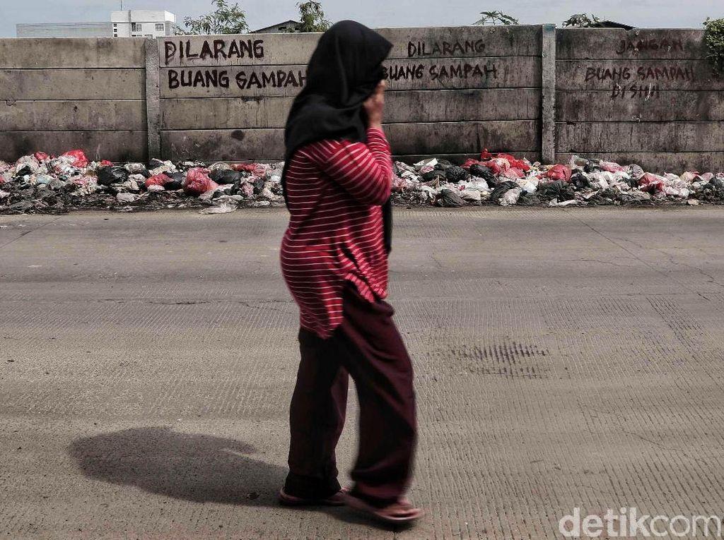 50 Ton Sampah Diangkat dari Wakatobi Sultra