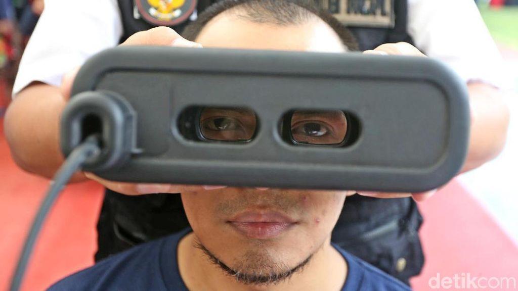 Mengintip Rekam Cetak e-KTP di Lapas Cipinang