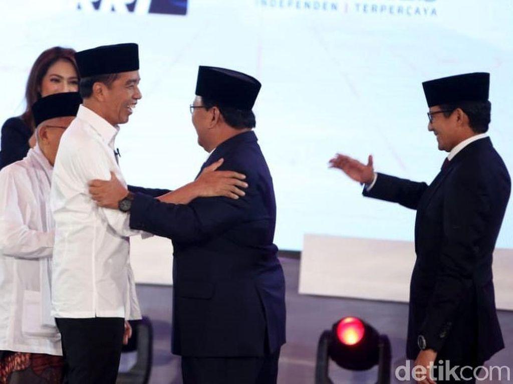 #01UnggulDebat vs #PrabowoSandiMenangDebat di Lini Masa