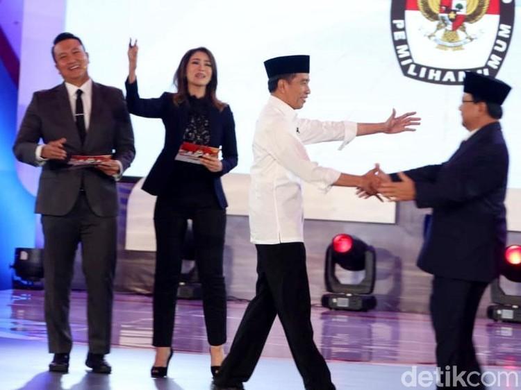Selisih Tipis di Survei Median, Tim Prabowo Optimistis Bisa Salip Jokowi
