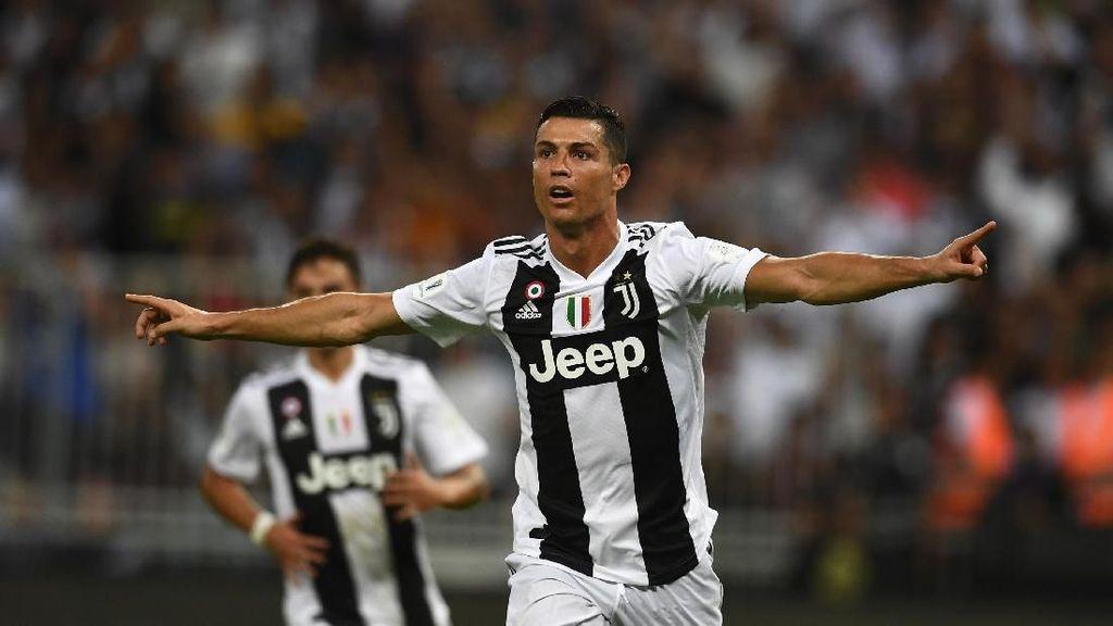 Cristiano Ronaldo Memang Beda