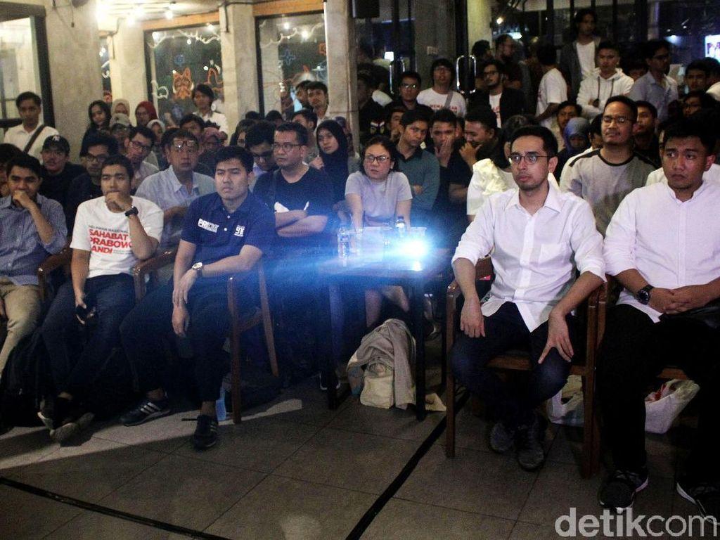 Bikin Hati Adem, Momen Pendukung Kedua Paslon Nobar Debat Capres