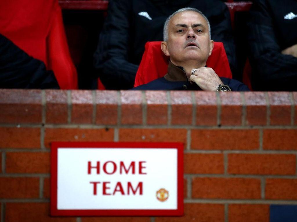 Old Trafford Akan Menyambutmu dengan Sangat Baik, Mourinho