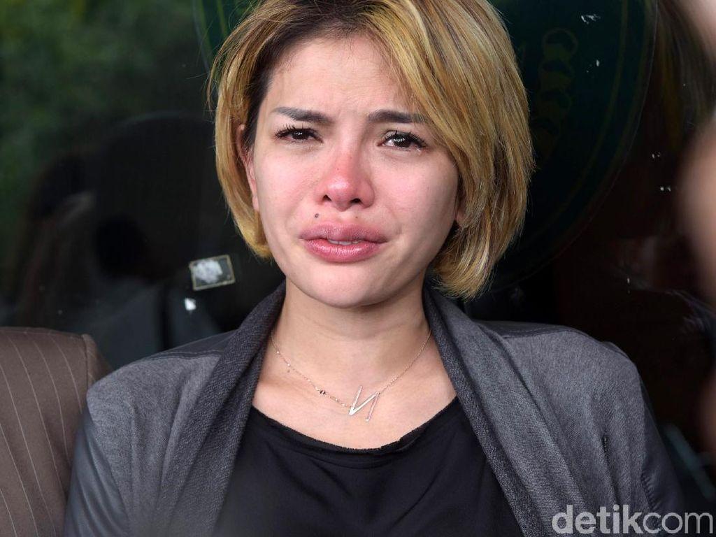 Nikita Mirzani Benarkan Mak Vera Gemar Main Judi