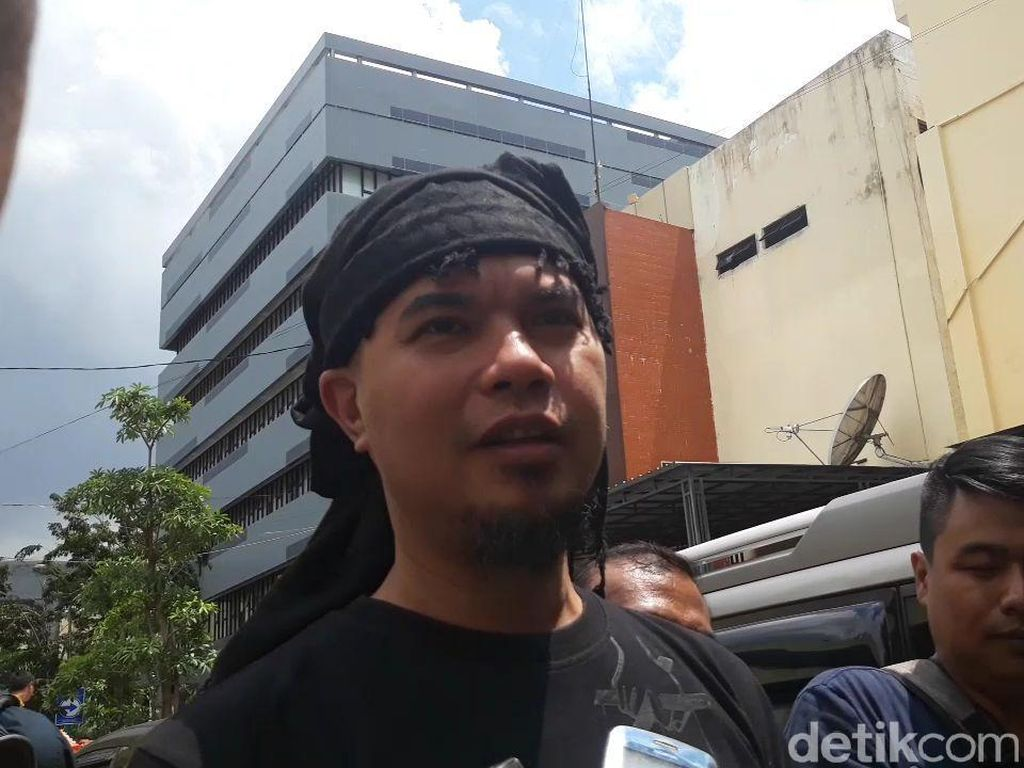 Jelang Putusan, Sidang Ahmad Dhani Dijaga Aparat Kepolisian