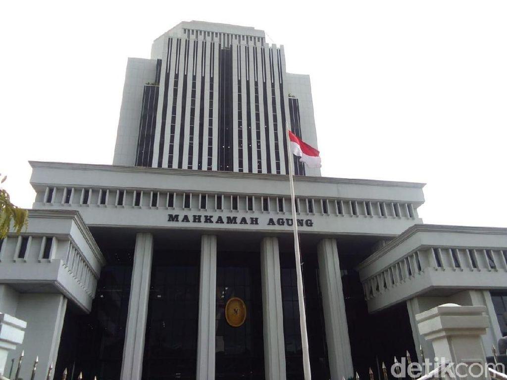 MA Sanksi 15 Hakim, Dari Perselingkuhan hingga Baksos di Hari Jumat