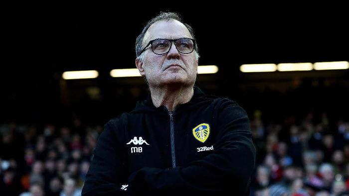 NOTTINGHAM, ENGLAND - JANUARY 01: Marcelo Bielsa, manager of Leeds United looks on during the Sky Bet Championship match between Nottingham Forest and Leeds United at City Ground on January 01, 2019 in Nottingham, England. (Photo by Matthew Lewis/Getty Images)