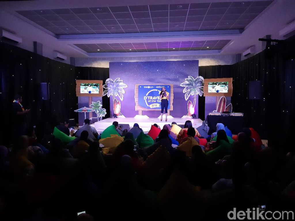 Aneka Games Meriahkan Awarding Night dTraveler of The Year 2018