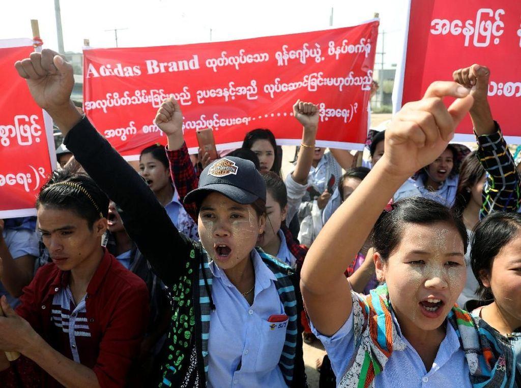 Hasil gambar untuk demo buruh