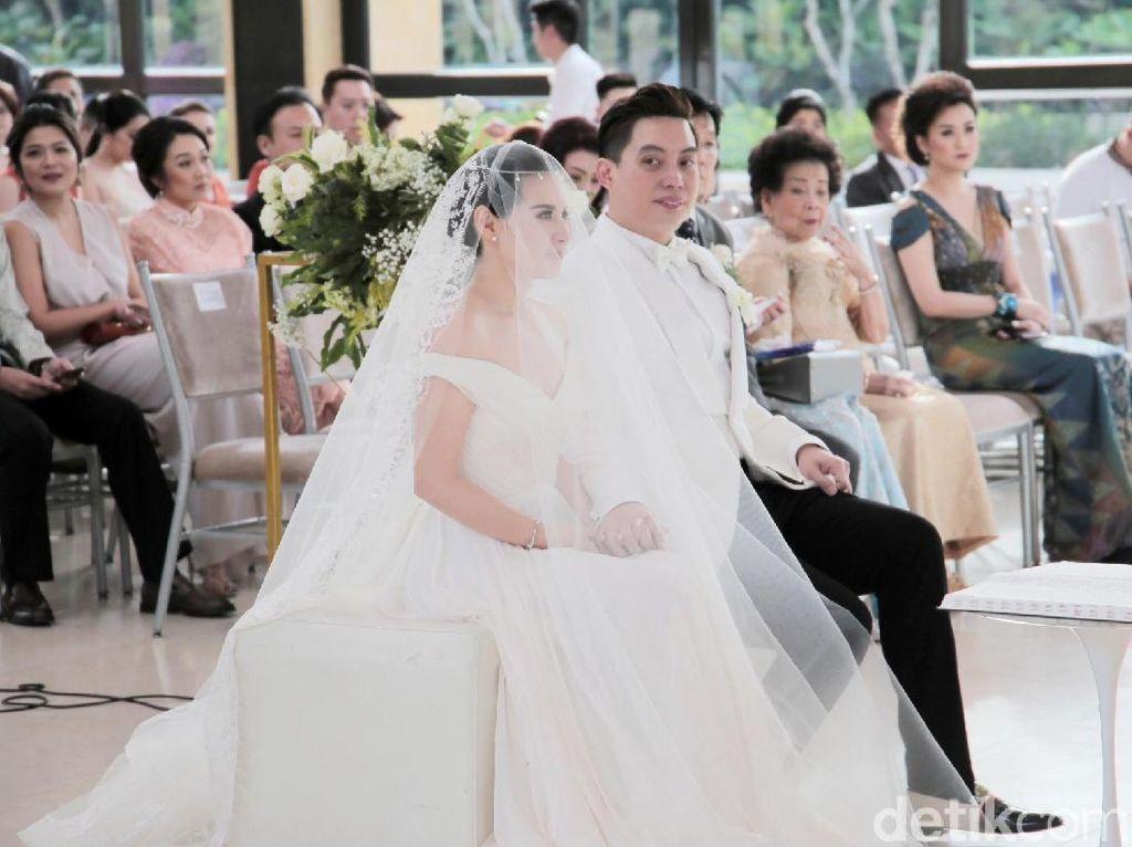 Jelang Pemberkatan Pernikahan, Edric Tjandra Menangis Bahagia Melihat Istri