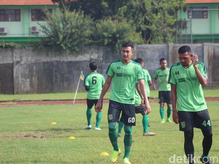 Hansamu Yama Pranata berlatih di Persebaya