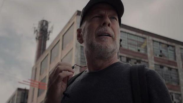 Bruce Willis masih menjadi David Dunn.