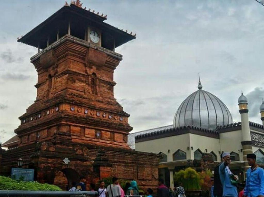 Pemkab Kudus Perbolehkan Salat Id di Masjid Tapi dengan Syarat