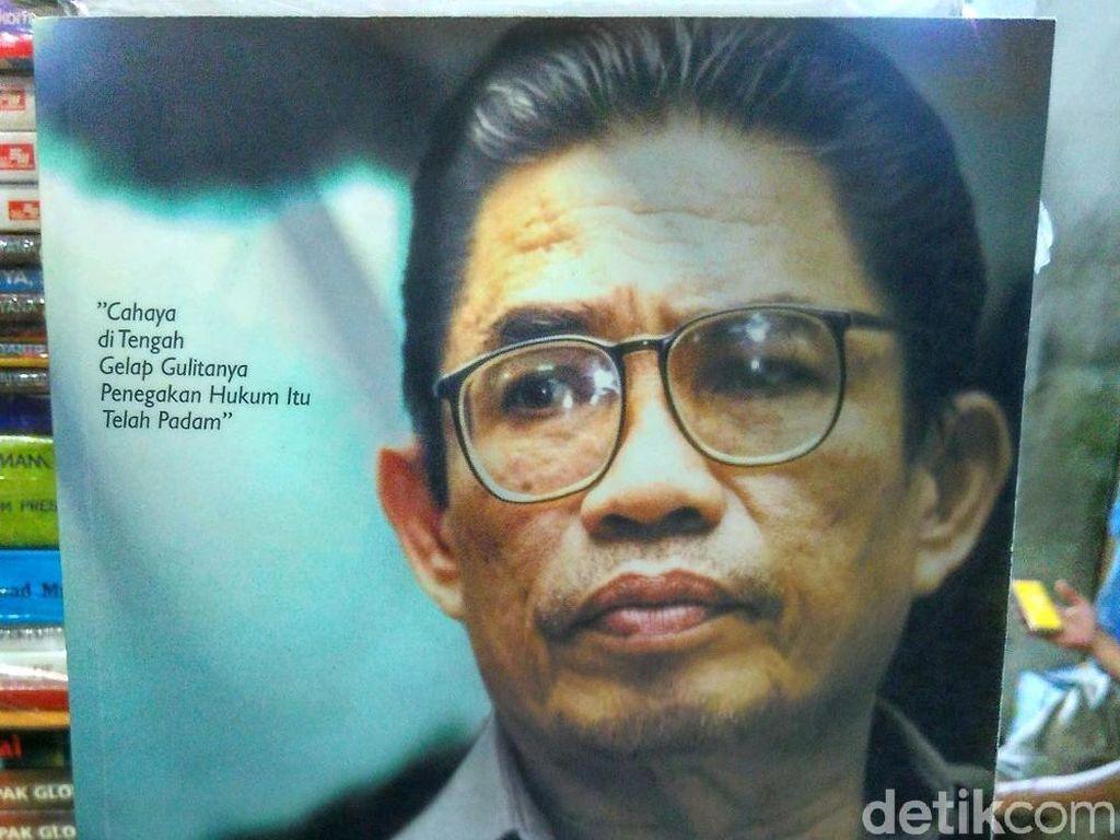 Sosok Baharudin Lopa yang Disebut Jokowi saat Dikejar Prabowo